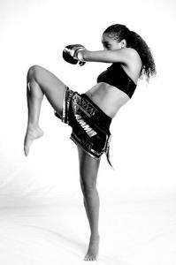 27d03ed2977329b89614a162356ac10a--kick-boxing-boxing-girl